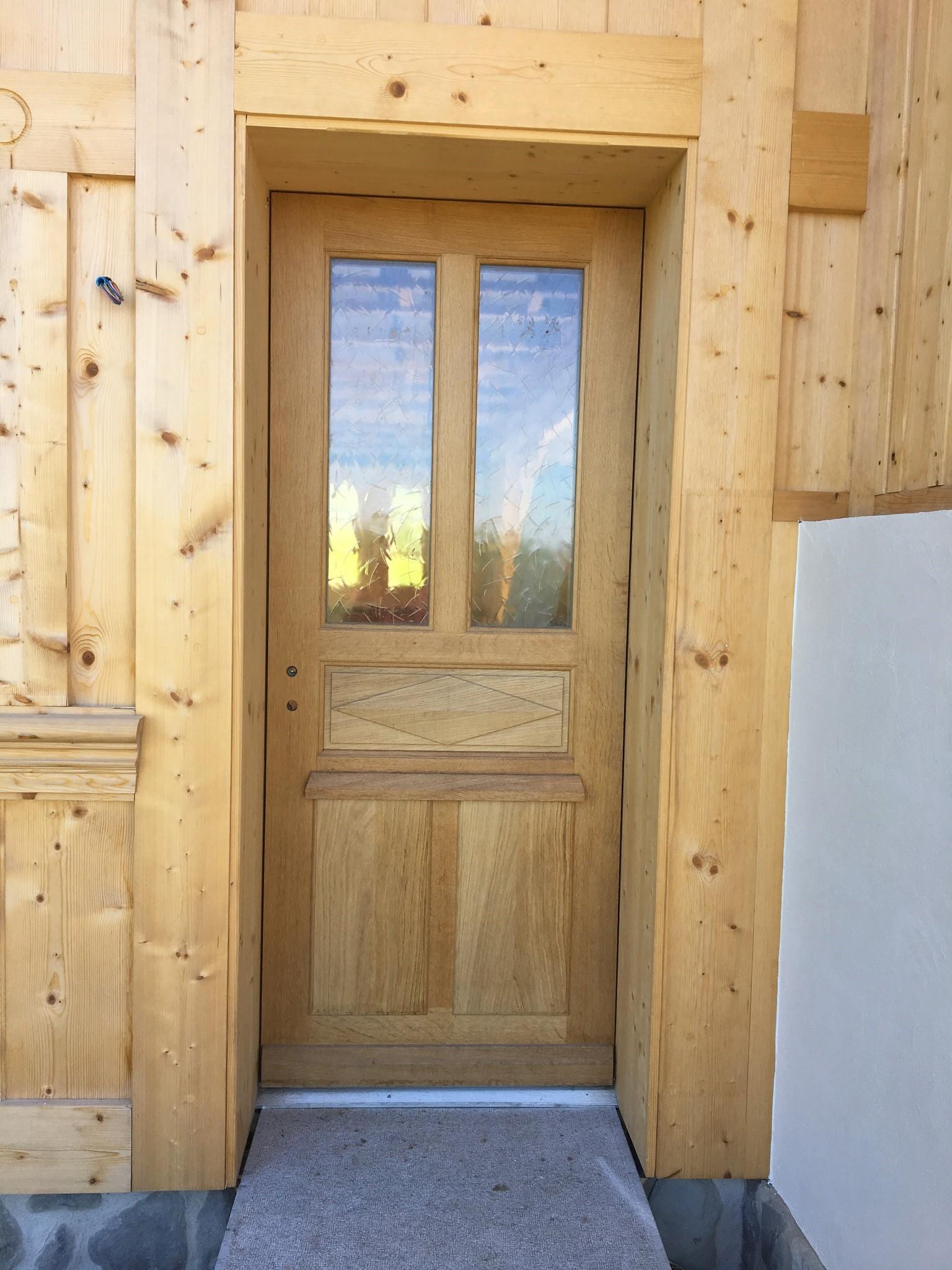 Repeindre une porte dentre repeindre porte entree bois - Insonoriser une porte d entree ...